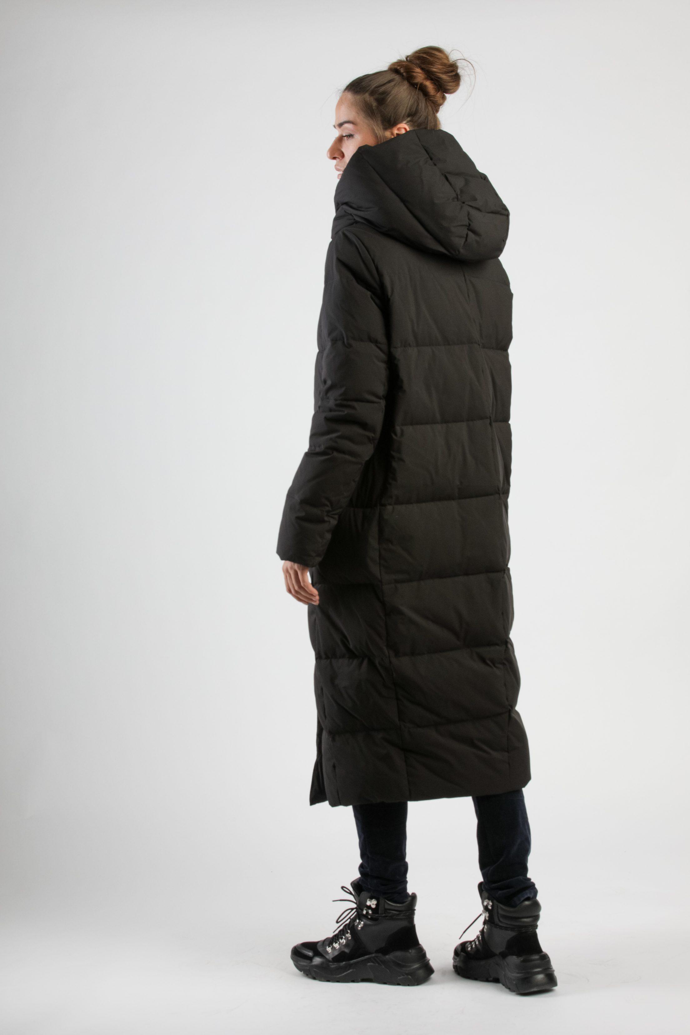 Liekninantys pūkiniai paltai
